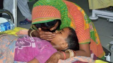 Photo of SKMCH में एक और चमकी बुखार से ग्रस्त बच्चे की हुई भर्ती | अभी तक कुल 57 शिशु इसके चपेट में आ चुके हैं